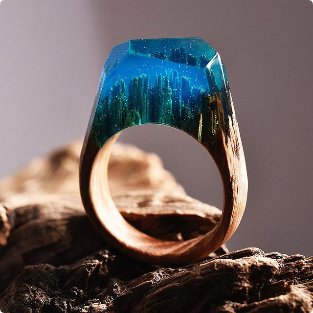 レジンで作られた指輪