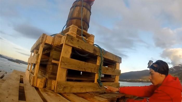 木材を直角に切断する電動工具「スライドマルノコ」